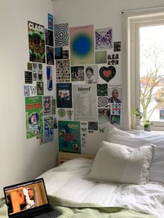 Indie Room Decor, Cute Room Decor, Aesthetic Room Decor, Room Ideas Bedroom, Bedroom Inspo, Bedroom Decor, Bedroom Wall, Room Ideias, Photowall Ideas