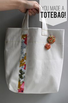 today i (finally) have a sewing tutorial for you, woo! this sew your own tote ba… today i (finally) have a sewing tutorial for you, woo! this sew your own tote bag tutorial is a pretty quick project perfect for any lev… Sewing Hacks, Sewing Tutorials, Sewing Projects, Bag Tutorials, Diy Projects, Diy Tote Bag, Tote Bags, Diy Bags, Purse Patterns