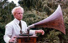 "Klaus Kinski in ""Fitzcarraldo"", directed by Werner Herzog, Belonging to one of my favourite scenes of the film (and one of my favourite films! Fitzcarraldo tilting at windmills, in a way. Tilting At Windmills, Werner Herzog, Classic Movies, Old Pictures, Documentaries, Outdoor Blanket, Cinema, Afro, Eye"