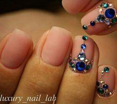 Resultado de imagem para rhinestone blue 2mm nail