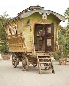 Wondering what the wagon that my French Canadian Great Great Garadparents came to the United States of America in.  Maybe this?