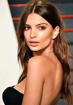 Emily Ratajkowski (American model, Film and Television actress, born on June 1991 in Westminster in the state of London, England) Best Long Haircuts, Haircuts For Long Hair, Layered Haircuts, Cool Haircuts, Cool Hairstyles, Long Haircuts With Layers, Hairstyle Ideas, Medium Length Hair With Layers, Long Hair With Bangs