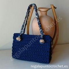 Bolso trapillo azul marino. Diseño original. #bolso #crochet tejido con…