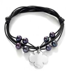 Black charm 43£ #pearl #black #christmas #clover #bracelet #present #lilou