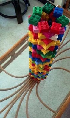 Lego Circle: Round shapes out of rectangular parts? Seems a little crazy but you can make one of these bad boys for yourself with normal and basic building skills. Lego Duplo, Lego Toys, Hama Beads Minecraft, Perler Beads, Lego For Kids, Diy For Kids, Crafts For Kids, Legos, Construction Lego