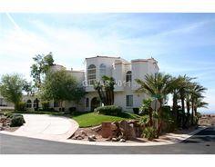 Love this huge #LasVegas home!