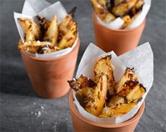 Roast Swede Wedges with Parmesan - Serves Preparation time: 5 minutes, Cooking time: 35 minutes Kitchen Recipes, Raw Food Recipes, Cooking Recipes, Healthy Recipes, Savoury Recipes, Easy Recipes, Diet Recipes, Recipies, Swede Recipes