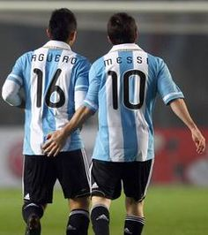Messi dragué par Aguero - http://www.actusports.fr/126338/messi-drague-par-aguero/