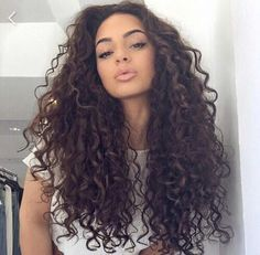 Natural curls are stunning!