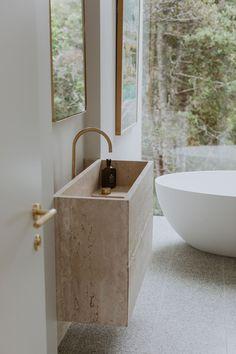Zara Home Bathroom, Bathroom Spa, Modern Bathroom, Bathroom Ideas, Redo Bathroom, Bathroom Designs, Travertine Bathroom, Bathroom Flooring, White Brick Tiles