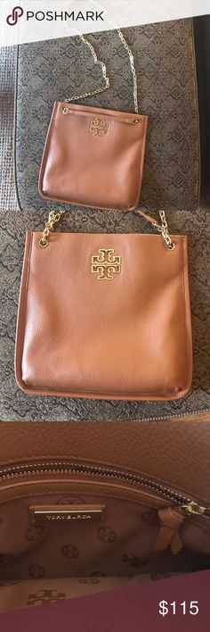 """Tory Burch Convertible Crossbody I just bought this a month ago - hardly worn at all! 11in"""" frame, genuine tan leather, gold chain strap. Tory Burch Bags Shoulder Bags"""