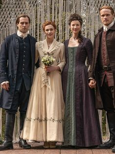 After almost a year of Droughtlander, Starz's hit series Outlander is back for its fifth season on February the entire Fraser family is celebrating Brianna and Roger's nuptials. Claire Fraser, Jamie Fraser, Claire And Jamie, Fraser Clan, Outlander Wedding, Diana Gabaldon Outlander Series, Outlander Tv Series, Starz Outlander, True Blood
