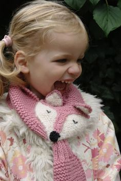 Kids winter scarf Fantastic Fox hand knit - fun, soft, warm, cute and cuddly childrens scarf. Knitting Patterns Free, Free Knitting, Baby Knitting, Fantastic Fox, Fox Scarf, Baby Kind, Garter Stitch, Crochet Designs, Knitting Projects