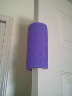 In case there ever is a toddler in my home again. Inexpensive Toddler Proof Door Stopper - use a pool noodle! No more shutting doors or smashed fingers :) Why didn't I think of that? Dollar Store Hacks, Dollar Stores, Toddler Proofing, Ideias Diy, Pool Noodles, Baby Hacks, Parenting Hacks, Parenting Goals, Kids Bedroom Ideas