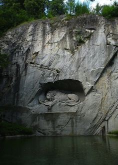 The Lion of Lucerne. (The surrounding outline of the pig was added apparently because the artist was unhappy with his payment.)