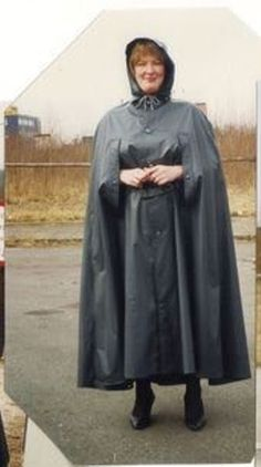 Rain Cape, Pvc Vinyl, Rain Wear, Black Rubber, Lady, Raincoat, Women Wear, How To Wear, Capes