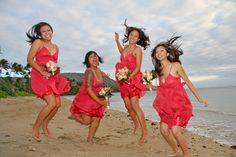 Robe demoiselle d'honneur rouge courte sur plage