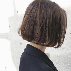 〜シンプルカジュアルなfashionでもオシャレに見せたい方へ〜 ・ ・ 【ワンカールボブ × アッシュグレージュ】 ・ ・ パツっとした毛先のラインと、柔らかくワンカールを巻くのがポイントのヘア♪ ・ ・ 是非一度お試しくださいね☺︎ ・ ・ カジュアルなfashionに合うヘアスタイル提案ならお任せくださいね★ ・ ・ その人に似合うバランスを提案します! ・ ・ cut ¥7,200 cut&carecolor ¥15,400 highright ¥8,000 ・ ・ 当日のご予約おすすめです! 皆様のご来店をお待ちしております★ ・ ・ #shima #shima_tanebe #shimakichijoji #shima吉祥寺 #hair#ash#cut#髪型#ミディアムヘア#ロングヘア#アッシュグレー #カット#レイヤーカット#レイヤー#ハイライト#梨花#大人ミューズ#竹下玲奈#大人カジュアル#ビューティーアンドユース#アクネストゥディオズ #ハイク#切りっぱなしボブ #外ハネボブ