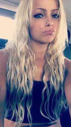 Wwe Girls, Wwe Ladies, Gorgeous Ladies Of Wrestling, Hottest Wwe Divas, Wwe Female Wrestlers, Wrestling Divas, Wwe Womens, Crop Top Bikini, Gorgeous Women