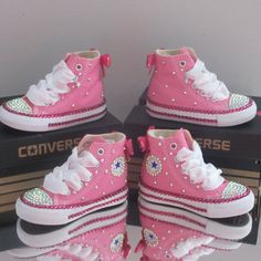 Zapatos Bling Bling, Bling Shoes, Baby Boots, Baby Girl Shoes, Jordan Shoes Girls, Girls Shoes, Bling Inverse, Converse Brillantes, Pageant Shoes