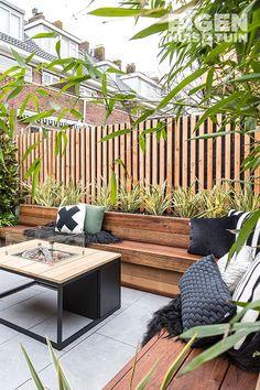 Garden Front Of House, House Front Design, Lawn And Garden, Home And Garden, Outdoor Balcony, Outdoor Spaces, Outdoor Gardens, Outside Living, Outdoor Living