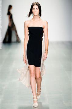 Marios Schwab (Spring-Summer 2015) R-T-W Collection at London Fashion Week  #AdriannaZajdler #BreeNaumowicz #CarinaLammers #CristinaHerrmann #DaliaGuenther #ElizaHartmann #EmelyMontero #EmilyAstrup #EmmaOak #GabyLoader #JessicaLeBleis #JessicaPeel #LeraTribel #LiekevanHouten #London #MadisonLeyes #MariosSchwab #MelanieEngel #NikaCole #RileyMontana #TamiWilliams See full set - http://celebsvenue.com/marios-schwab-spring-summer-2015-r-t-w-collection-at-london-fashion-week/
