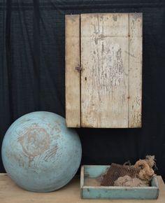 Blue Dog Antiques - Home