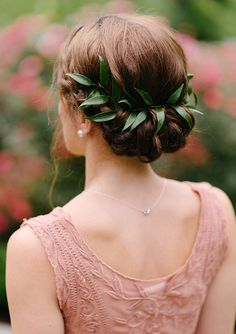 Green natural detail on hairstyle - Wedding Atlanta