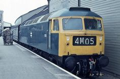 Brush Type 4 calls at Exeter St Davids on May New from Crewe… Electric Locomotive, Diesel Locomotive, Steam Locomotive, E Electric, Train Room, South Devon, Train Pictures, British Rail, Old Trains