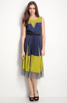 I can't stop loving this dress. The pleats, the colorblocking