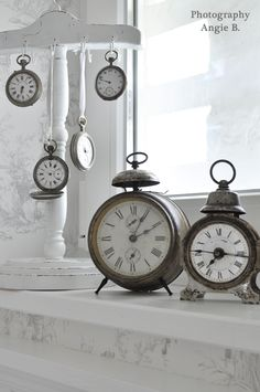 fantastic old alarm clocks - or would like several old clocks to hang in an arrangement on the wall