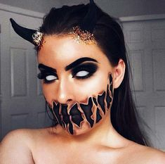 Looking for for ideas for your Halloween make-up? Check out the post right here for cute Halloween makeup looks. Creepy Halloween Makeup, Amazing Halloween Makeup, Scary Makeup, Demon Halloween Costume, Demon Costume, Awesome Makeup, Pretty Makeup, White Contacts Halloween, Girl Clown Makeup