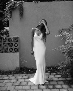 Lola Varma- Bridal for the modern day minimalist. Offering handmade silk wedding gowns and two-pieces that are sleek and elegant. Prom Dresses, Formal Dresses, Mode Outfits, Dress To Impress, Wedding Gowns, Slinky Wedding Dress, Marie, Ideias Fashion, Dress Up