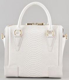 Tendencias de moda verano 2012: bolsas chic con cristales