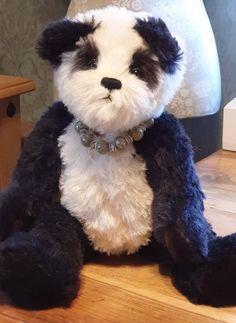"2.5"" Long new Hand Blown Glass Miniature Black And White Panda Bear Animal"