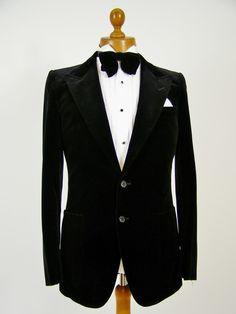 Velvet dinner jacket / smoking jacket. Mens velvet jackets and classic vintage clothing at Tweedmans Vintage! http://www.tweedmansvintage.co.uk/