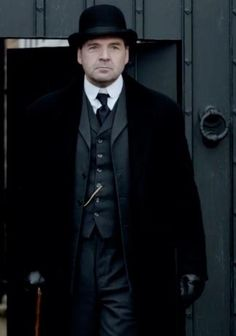 He gives me the warm fuzzies...=)  I love Mr. Bates.