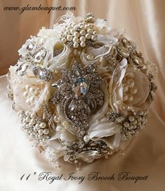 Vintage Glam Brooch Bouquet | Custom Made Bridal Brooch Bouquet Wedding – Glam Bouquet (Love something like this for the Gift or Cake table)