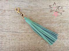 Handmade Keychain / Green Leather Tassel Key Chain / by Twininas Green Leather, Leather Bag, Leather Tassel Keychain, Bag Clips, Handmade Jewellery, Key Chain, Bag Accessories, Tassels, Bags