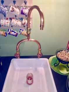 Thank you for taking time to look at out copper mixer taps, Here we have a perfect example of great craftmanship, mirror finsihed 22mm copper mixer tap, ready to install Our taps can be used to supply hot & cold water to a number of places in your home, such as Kitchen -