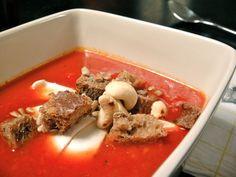 Kallen tomaattikeitto mozzarellalla