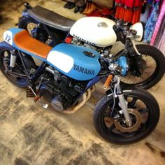 Yamaha and Honda cafe racer friends