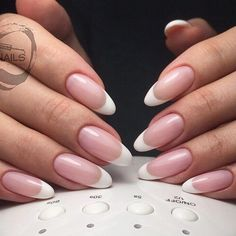 Ideas French Manicure Gel Almond For 2019 French Manicure Gel, French Nails, Almond Nails French, Black Almond Nails, French Manicure Designs, Almond Shape Nails, Nail Designs, French Manicures, Nails Shape