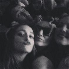 #nightout#snapperrocks  Fiesta todo la noche  with @p.maylis p by clemence.garriga