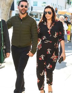 Pregnant Eva Longoria Enjoys Mid-Week Lunch with Husband Jose Baston: Photo Eva Longoria is in great spirits while stepping out with husband Jose Baston for lunch at E Baldi restaurant on Thursday afternoon (January in Beverly Hills,… Eva Longoria, Gabrielle Solis, Female Directors, Jane The Virgin, Hollywood Walk Of Fame, Celebrity Couples, Belle Photo, American Actress, Business Women