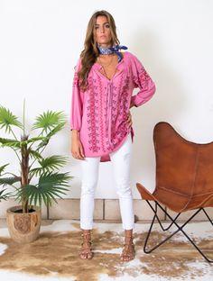 Vintage Bazaar com 40% de desconto Túnica disponível na nossa loja 😍