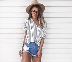Fashion outfits: gypsy fashion / stripped shirt shorts волосы в 2019 г. Gypsy Fashion, Look Fashion, Fashion Women, Womens Fashion Outfits, Fashion Clothes, Spring Fashion Outfits, Woman Outfits, Feminine Fashion, Fashion 2018