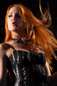 The Jungle of Rock N Roll: Musas do Rock - Parte 1 - Simone Simons