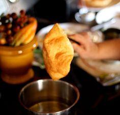 How to Make Restaurant Style Fried Tortilla Bowls - Grace J. Taco Salad Bowls, Tortilla Bowls, Soup And Salad, Cheap Recipes, Cheap Meals, Yummy Recipes, Yummy Food, Appetizer Recipes, Snack Recipes