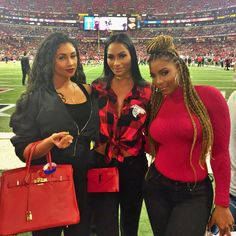 Had so much fun reppin' them #DirtyBirds tonight with my girls!! #RiseUp ❤️